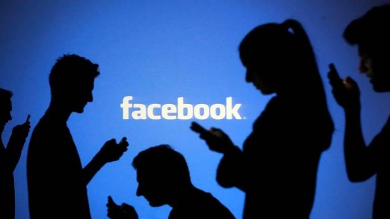 Facebook: messaggi offensivi in bacheca integrano il reato di diffamazione aggravata. Lo ribadisce la Cassazione con sentenza n. 40083/2018.