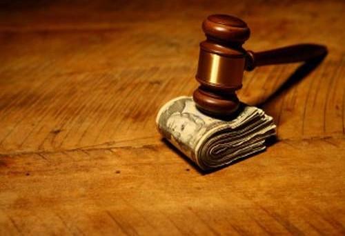 Ex moglie: cosa conviene di più? Mantenimento o reddito di cittadinanza?