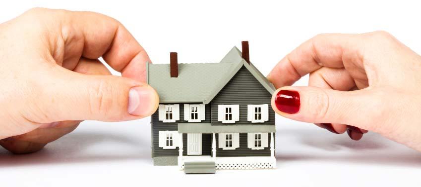 Abitare la casa coniugale: prevale l'ex moglie o il terzo acquirente?