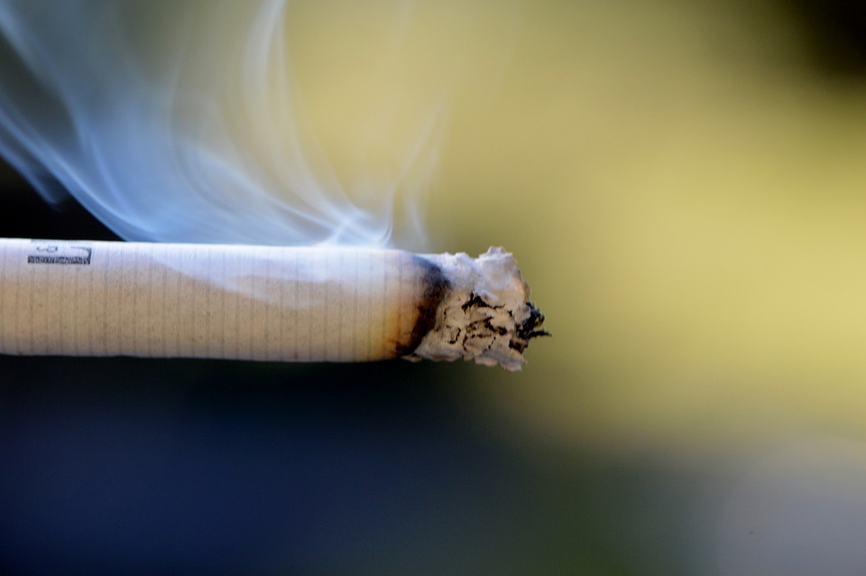 Divieto di fumo: quali regole tra condomini?
