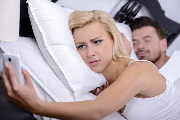 Tradimento durante il matrimonio? L'ex ha diritto al risarcimento del danno non patrimoniale