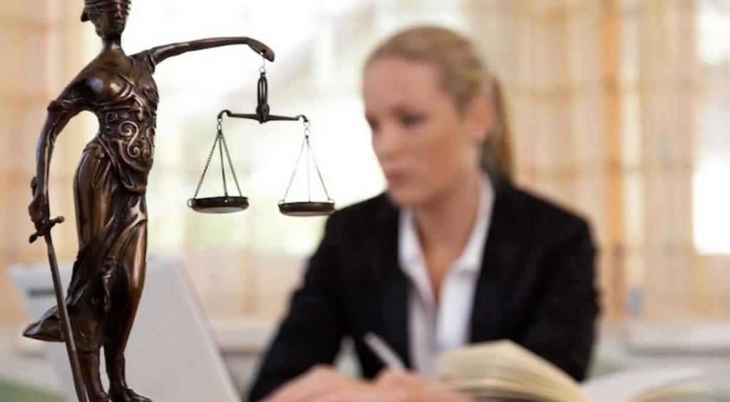 Assegno divorzile simbolico? All'ex coniuge non spetta la pensione di reversibilità