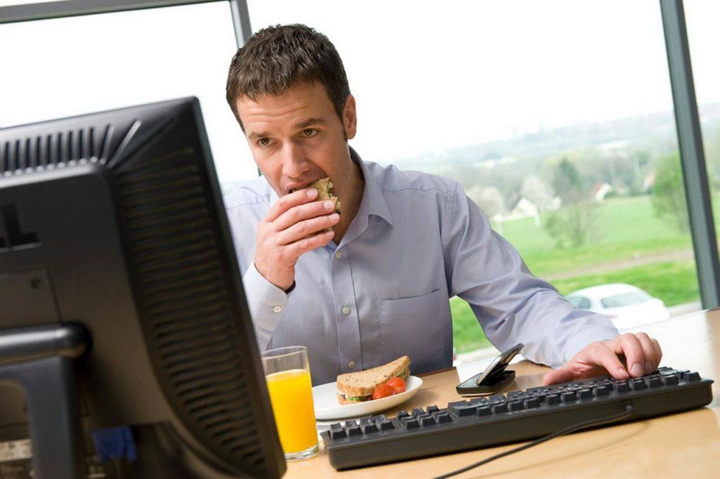 Chat, email e videochiamate di lavoro: il diritto alla disconnessione del dipendente