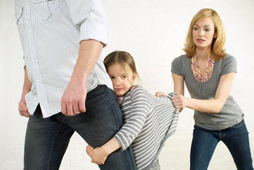 Cassazione: decade dalla responsabilità genitoriale la madre che ostacola il rapporto padre-figlio