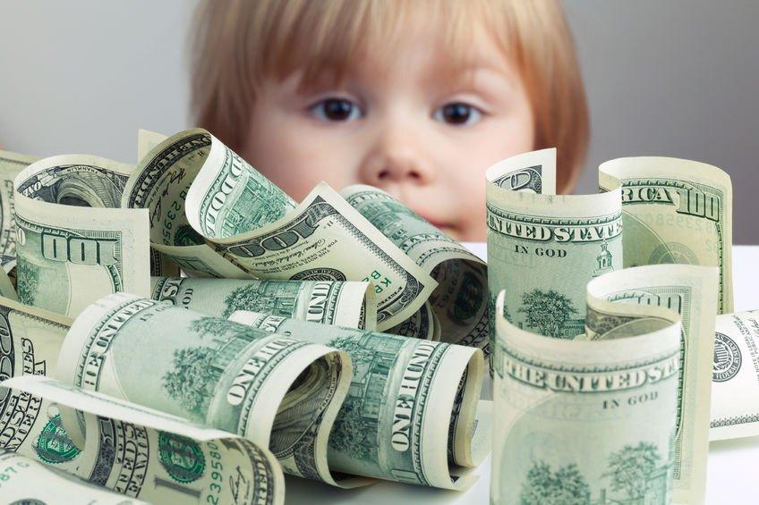 Genitore nasconde patrimonio per non pagare il mantenimento: condannato per responsabilità aggravata